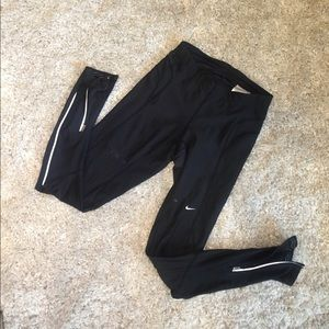 Nike Pants - Black polyester and spandex Nike leggings